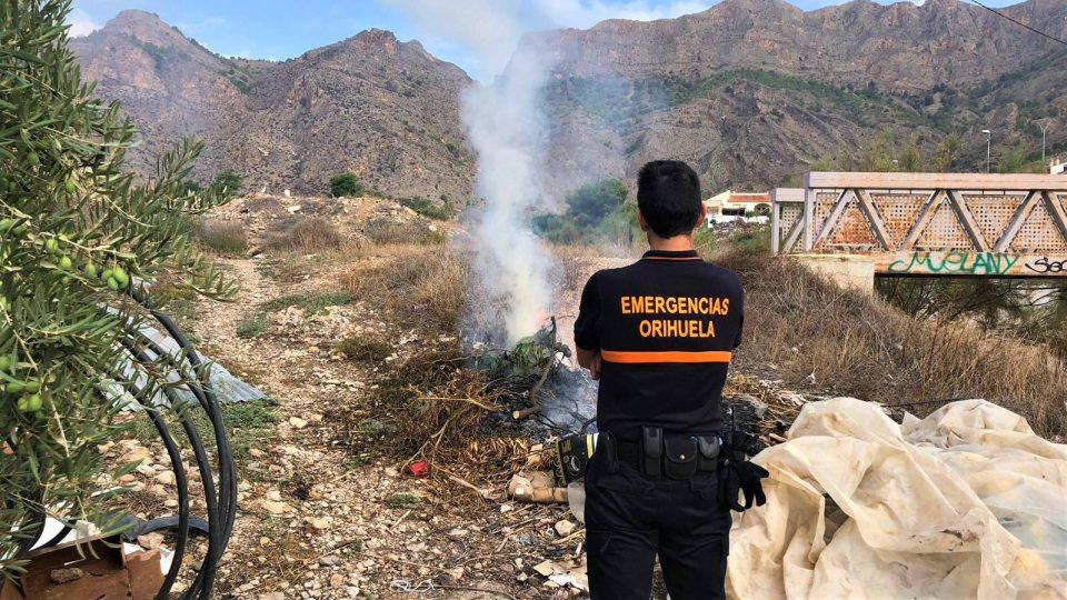Protección Civil interviene en varias quemas en Orihuela 6