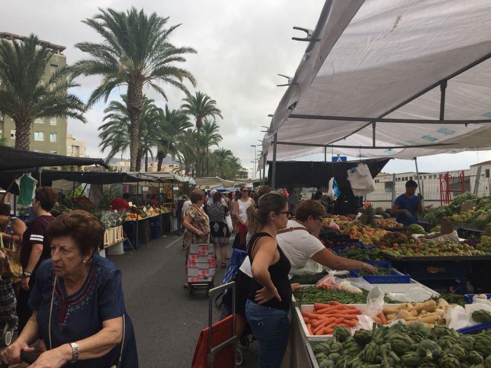 El Mercado de los Martes regresa al casco urbano 9 años después 6