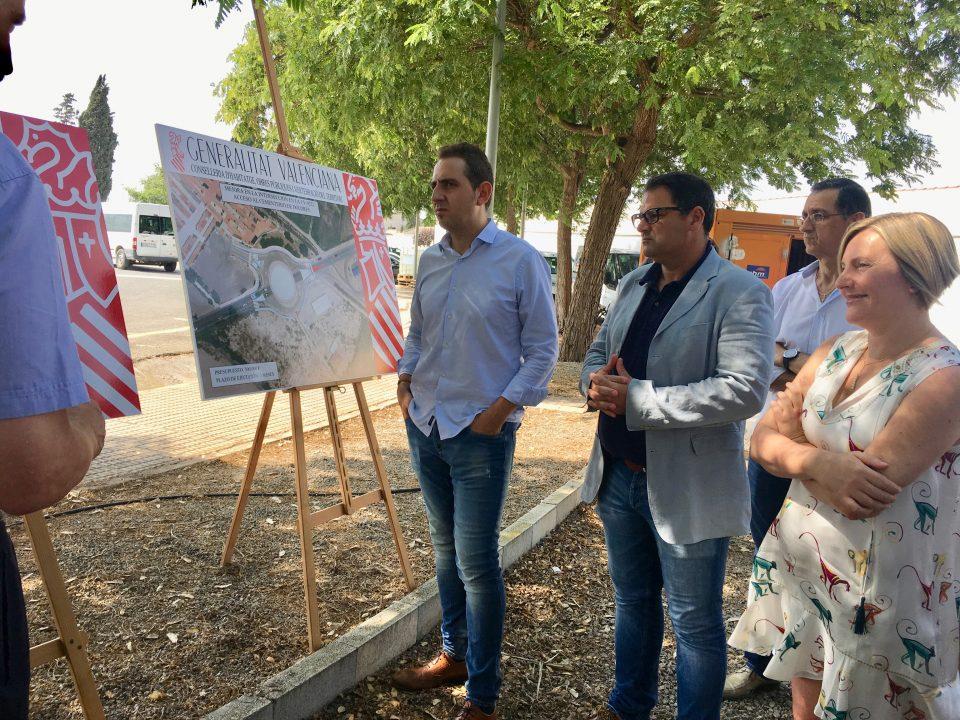 Salvador visita las obras del carril ciclopeatonal de la carretera Catral-Dolores 6