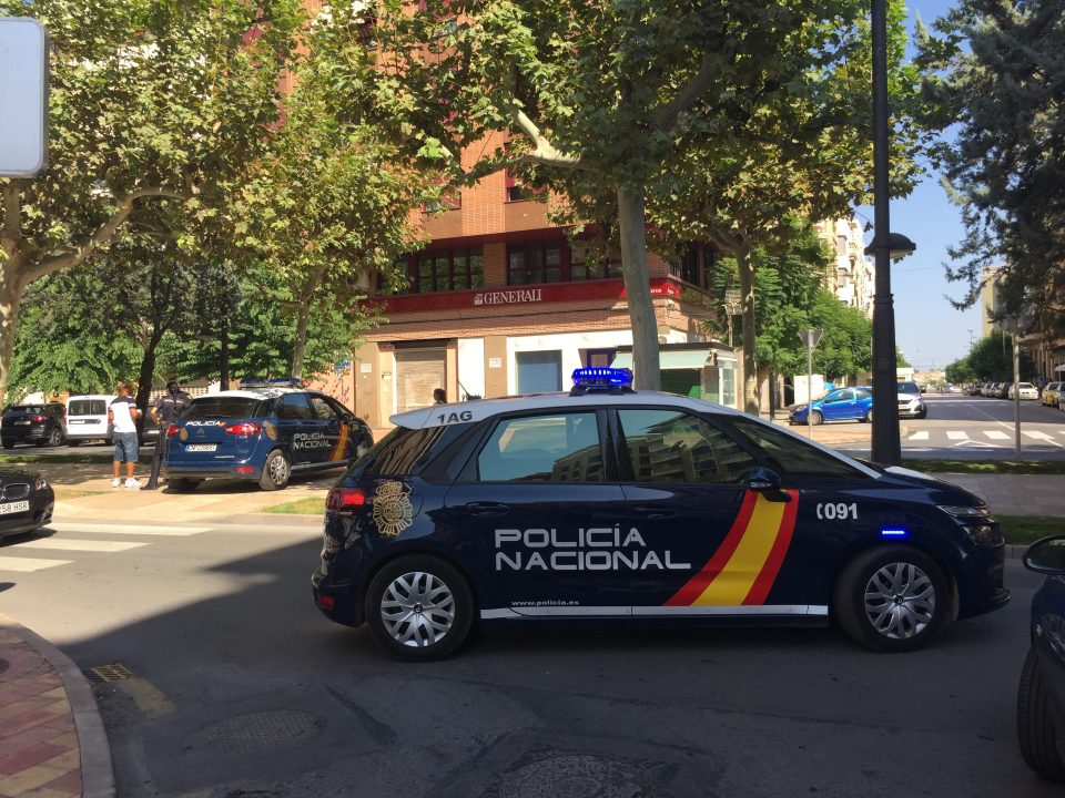 La Policía Nacional detiene a tres personas por el robo a ancianos 6