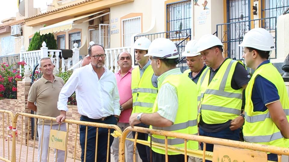 Destinan medio millón de euros al suministro eléctrico de Orihuela Costa 6