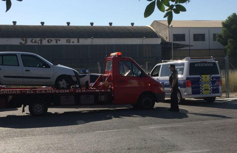 Dos heridos en un accidente en la Avenida de la Estación en Orihuela 6
