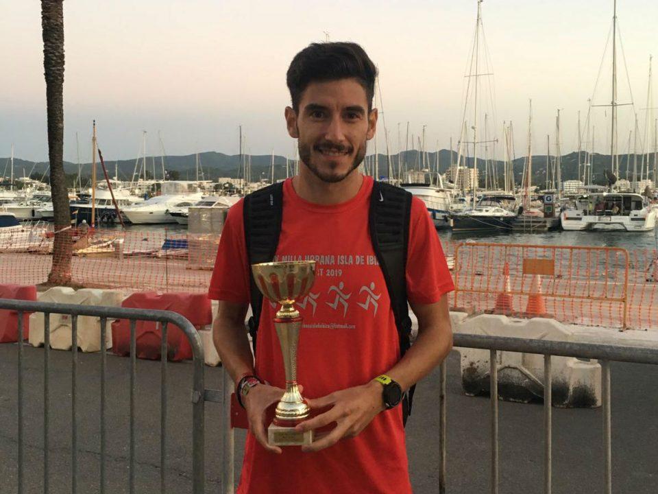 Álex García vuela en Ibiza 6