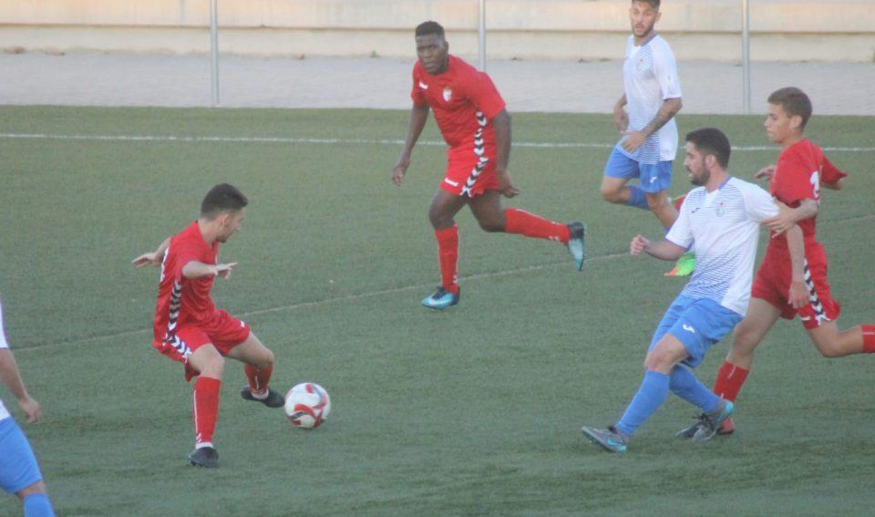 El Torrevieja CF se lleva un derbi con cuentas pendientes 6