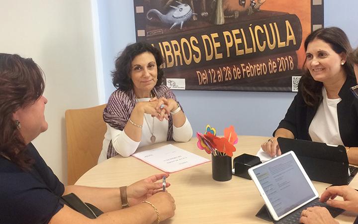 Torró visita Orihuela para conocer su situación educativa 6
