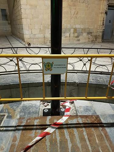 Los internautas opinan que el Ayuntamiento ha boicoteado la proyección de la Cruz 6
