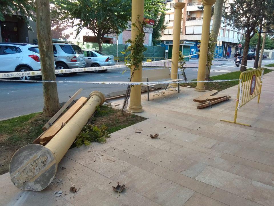 Un accidente en Orihuela provoca daños materiales en los Andenes 6