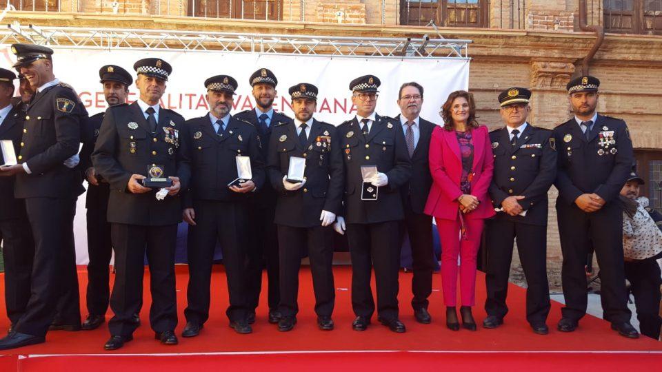 La Generalitat felicita a agentes de la Policía Local de Orihuela 6