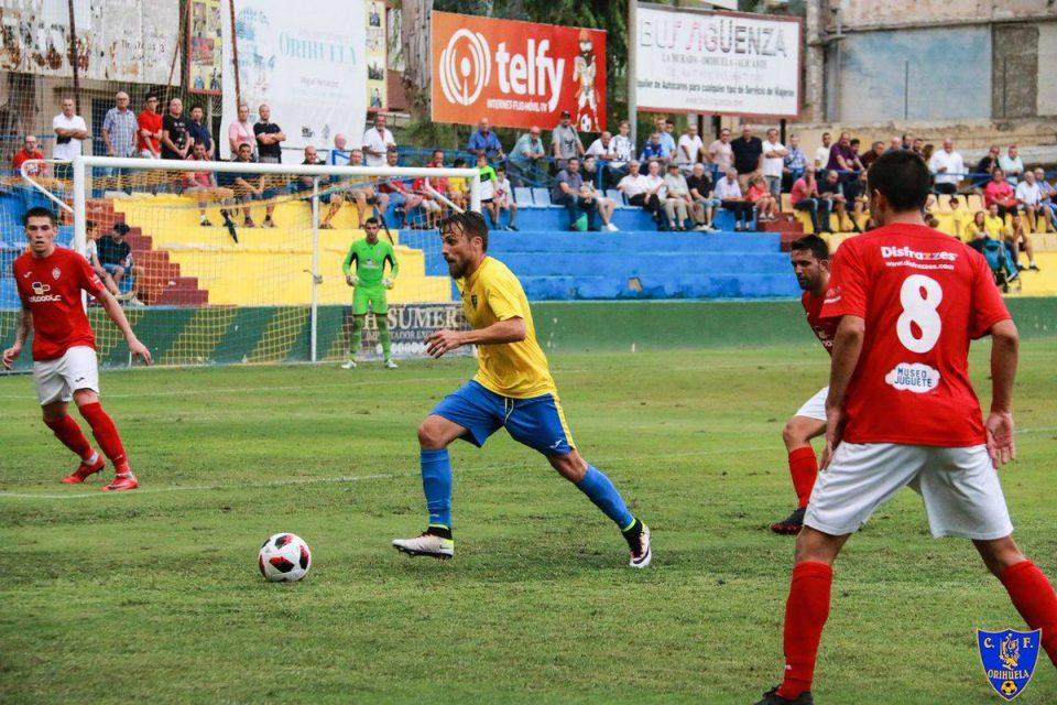 El Orihuela C.F. no pasa del empate frente al C.D. Roda 6