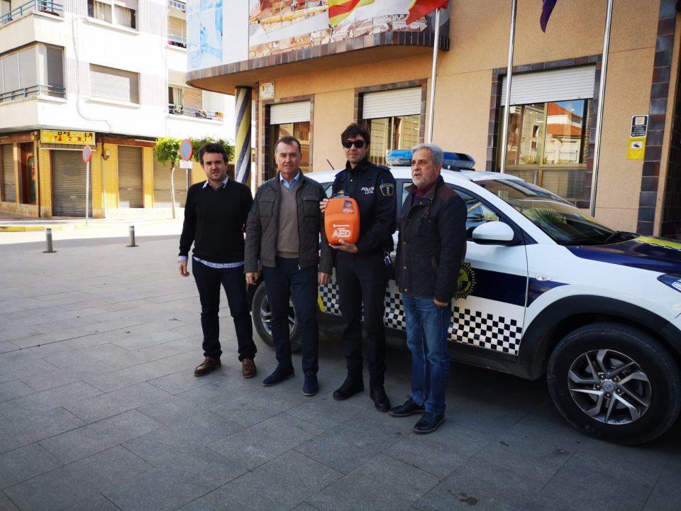 Benejúzar incorpora un desfibrilador al coche de la Policía Local 6