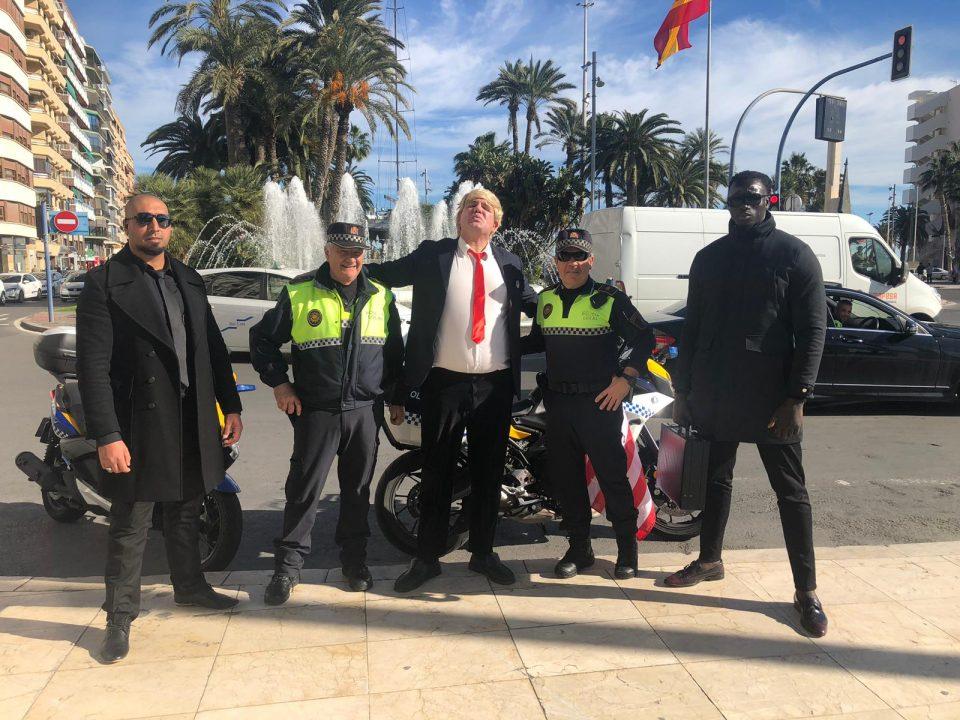 Unos jóvenes de la Vega Baja movilizan Alicante con la visita de Donald Trump 6