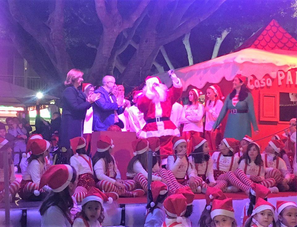 Almoradí da la bienvenida a Papa Noel 6