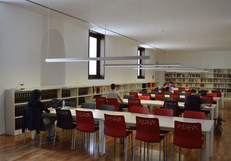 Desde el 26 de diciembre la Biblioteca María Moliner amplia su horario en periodo de exámenes 6