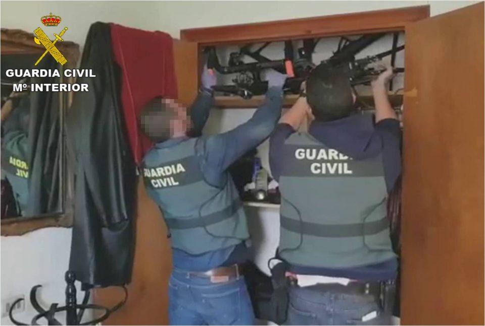 Detenidos en Torrevieja los autores del robo de cerca de un centenar de bicicletas 6