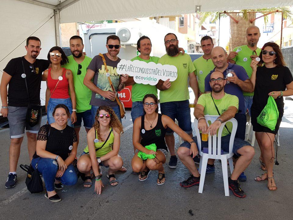 Los festeros de Almoradí se implican en el reciclaje de vidrio 6