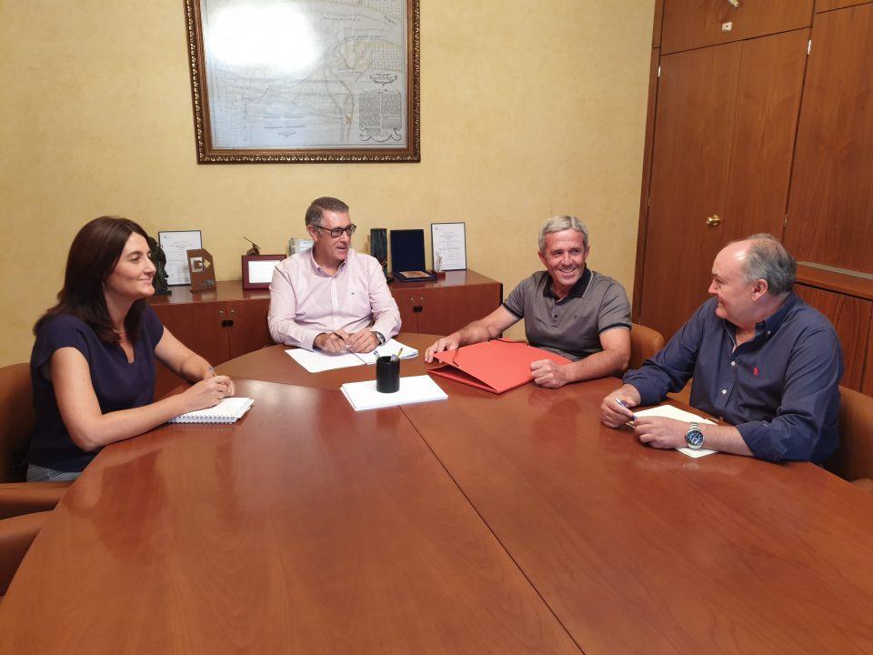 El alcalde de Pilar de la Horadada y la CHS estudian el estado de los cauces 6