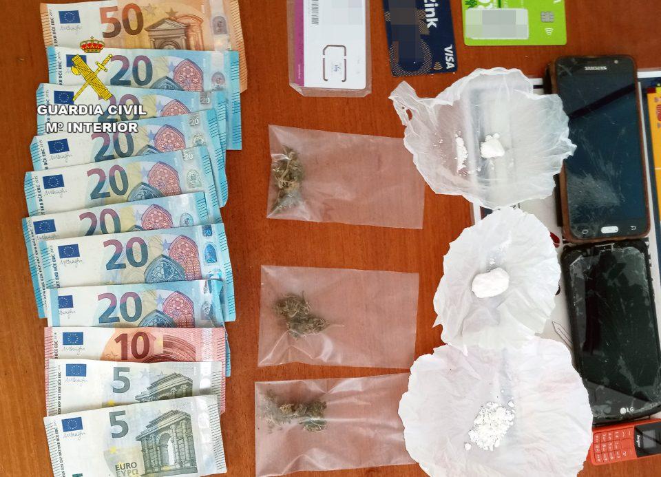 Un vecino de Albatera, detenido por distribuir droga a domicilio en Fortuna 6