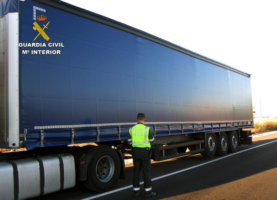 Un camionero de Orihuela, investigado por cuadruplicar la tasa de alcoholemia 6
