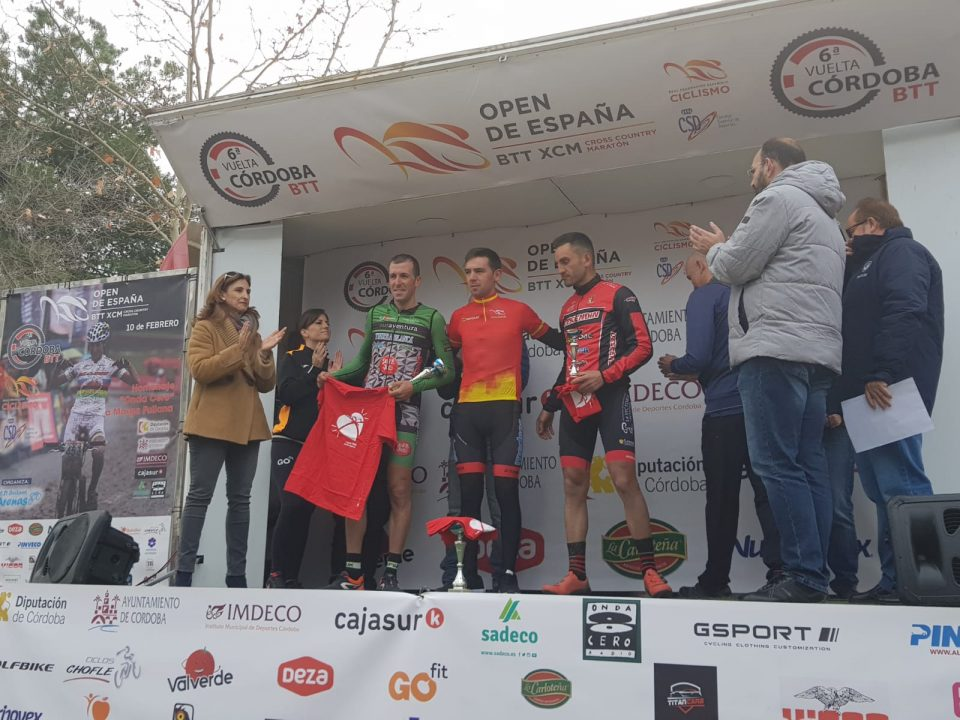 Ismael Hernández lidera el campeonato de España de MTB 6