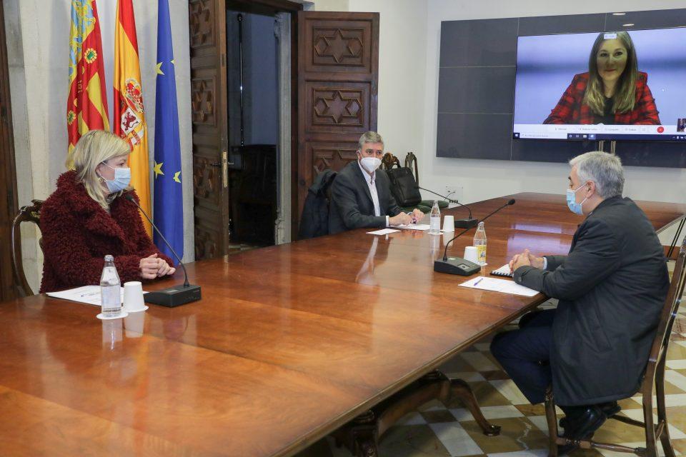 La Policía de la Generalitat reforzará el control de aforos en los centros comerciales 6