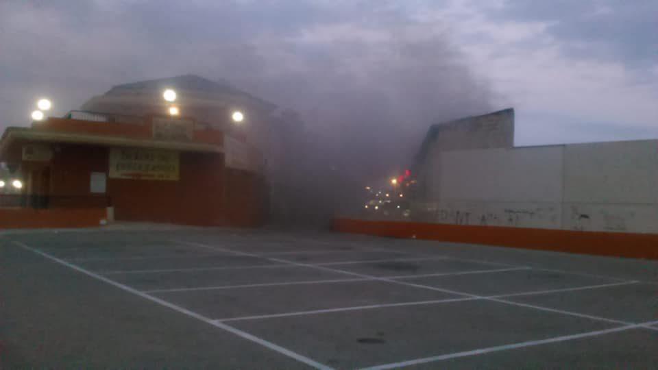 Un incendio calcina un establecimiento de Orihuela Costa 6