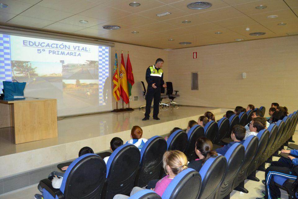 La Policía Local de Pilar de la Horadada impartirá talleres a los estudiantes 6