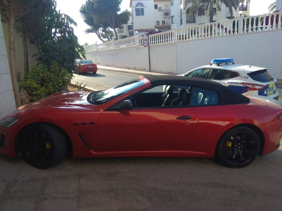 Dos detenidos en Cabo Roig por robar vehículos de alta gama 6