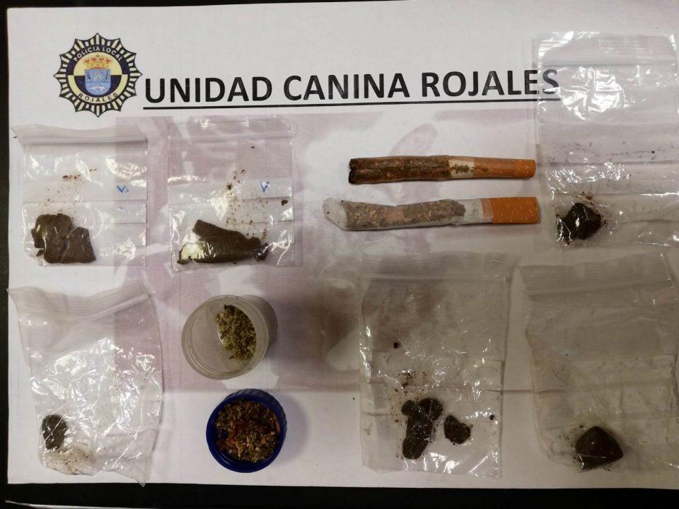 La Policía Local de Rojales multa a varios jóvenes por portar drogas 6