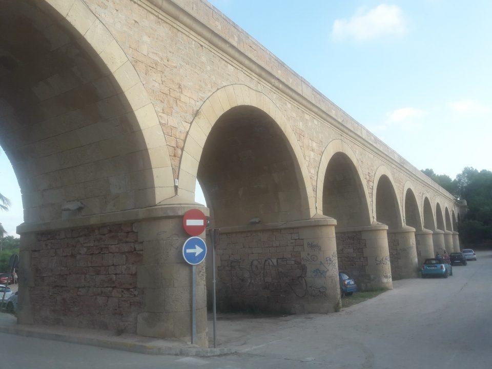 La Asociación Amigos del Castillo de Orihuela denuncia el estado del puente Romano 6