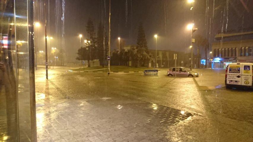 Ocho personas rescatadas en Torrevieja atrapadas en coches y casas inundadas 6