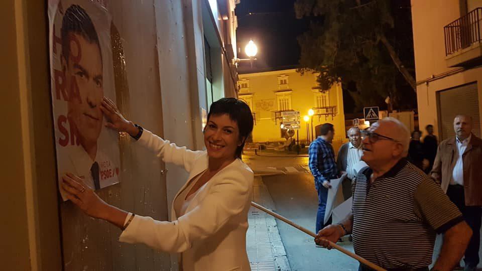 Comienza la campaña electoral con la pegada de carteles 6