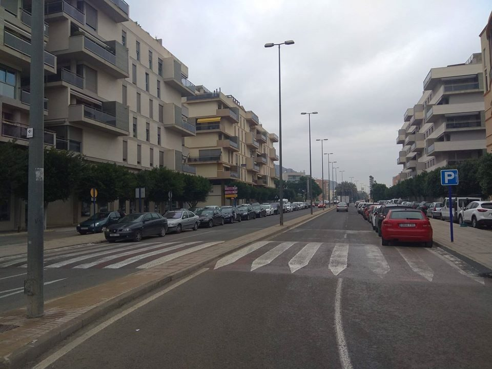 La mayoría apoya que se deje de aparcar en el Puente del Rey 6