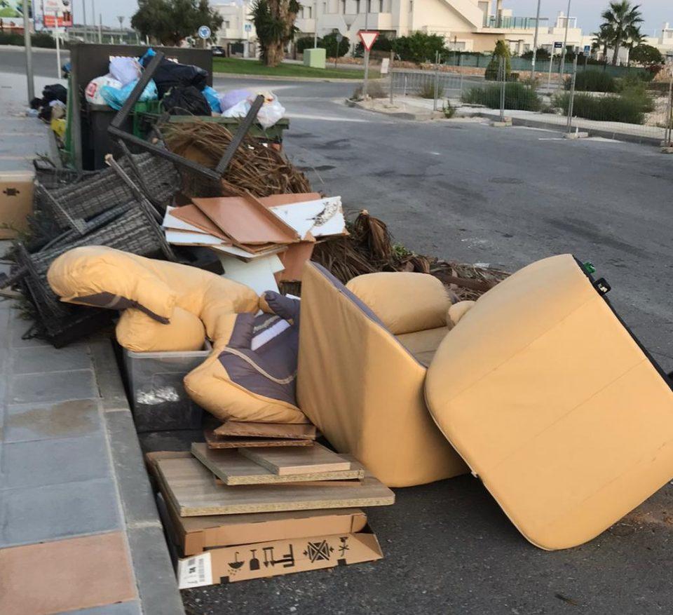 Orihuela recogió en diciembre 500 toneladas de enseres más de lo habitual 6