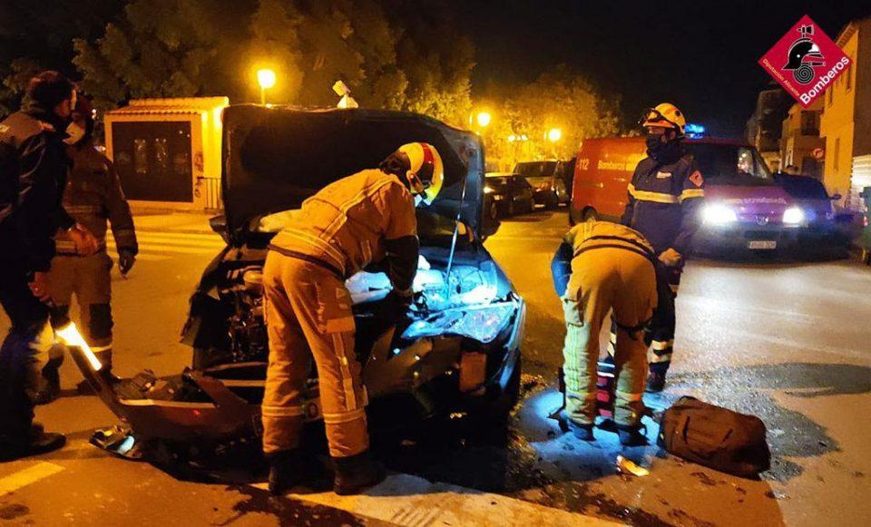 Un accidente en el casco urbano de Almoradí deja dos heridos 6