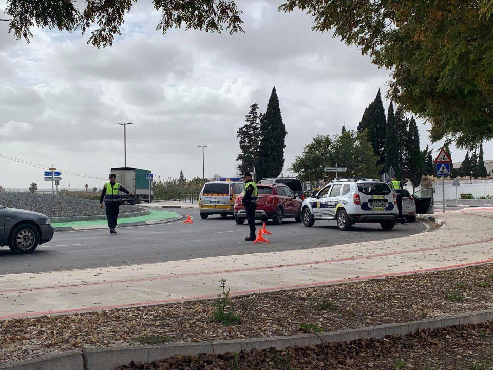 La Policía Local de Dolores pilla a un menor conduciendo un vehículo 6