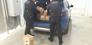 La comunidad china de Crevillent dona material de protección a la Policía de Dolores 7