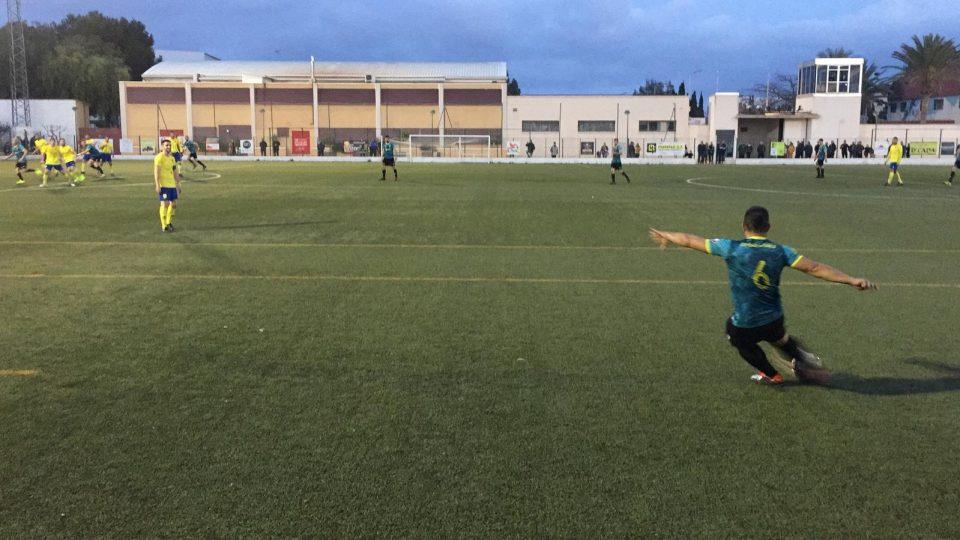 El Orihuela Deportiva devuelve el golpe y es líder en solitario 6