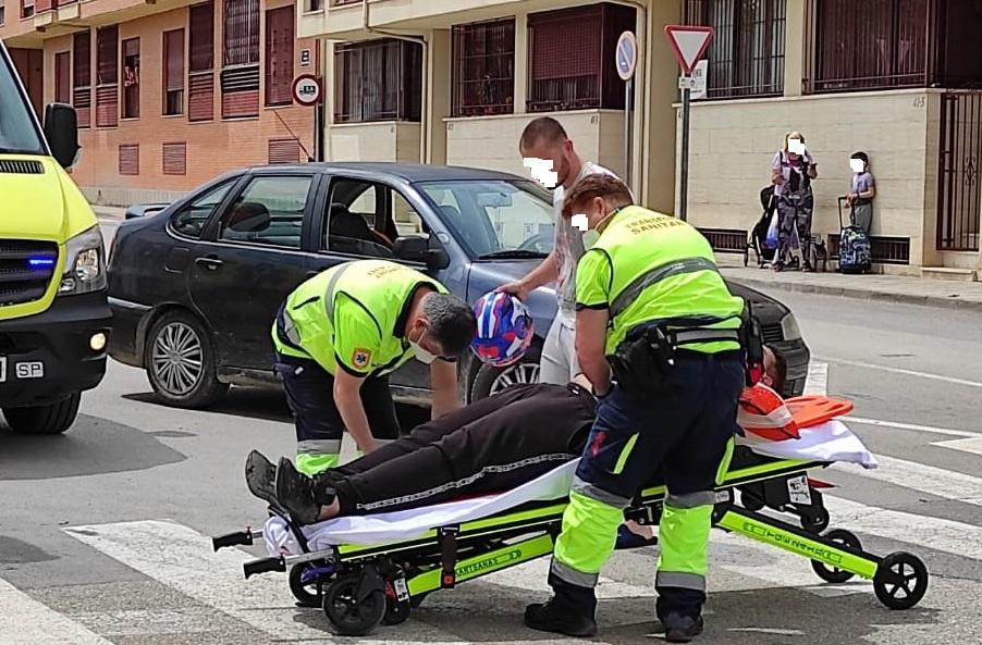 Un joven resulta herido en un accidente de moto en Orihuela 6