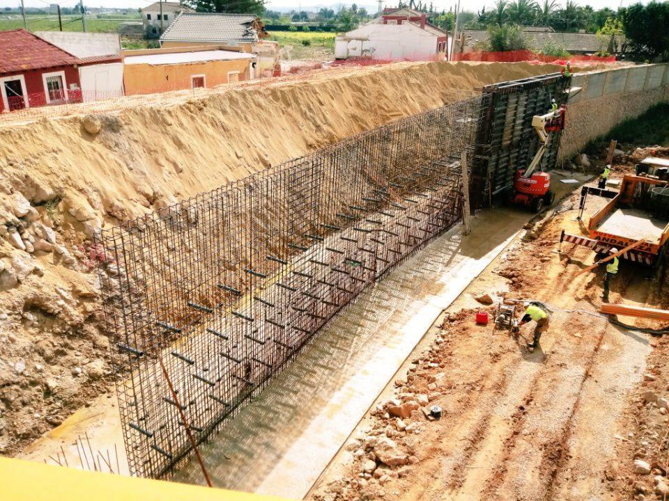 La CHS pasa a la fase de encofrado en las obras del río Segura en Almoradí 6