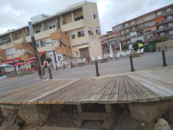 La Brigada Verde repara la senda peatonal de La Mata 11