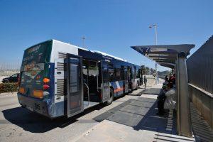Nueva parada de autobús en la entrada al mercadillo semanal de Torrevieja 9