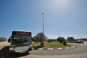 Nueva parada de autobús en la entrada al mercadillo semanal de Torrevieja 10