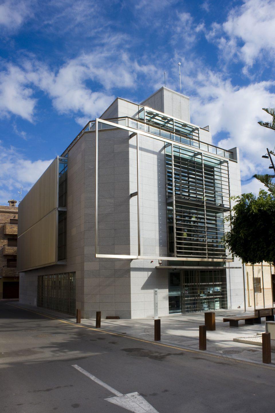 La OMIC de Torrevieja se traslada al ayuntamiento periférico de La Mata 6