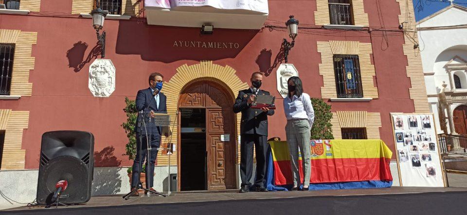 Redován reconoce la labor de Antonio Ruiz por los 32 años en la Policía Local 6