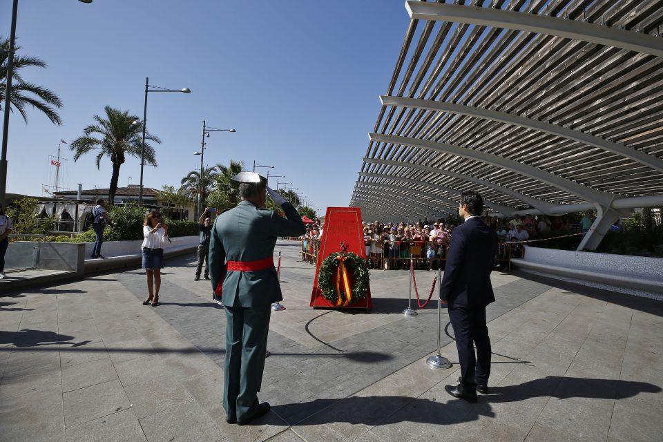 Torrevieja inaugura un monumento dedicado a la Guardia Civil 6
