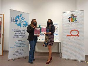 Orihuela se tiñe de azul en el Día Mundial del Autismo 7