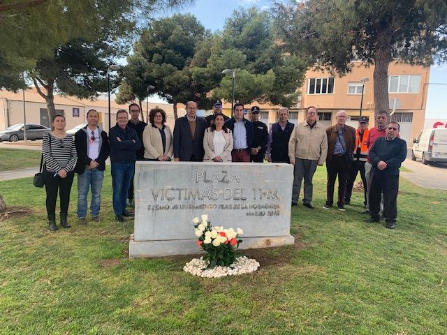 Pilar de la Horadada rinde homenaje a las víctimas del 11 M 6