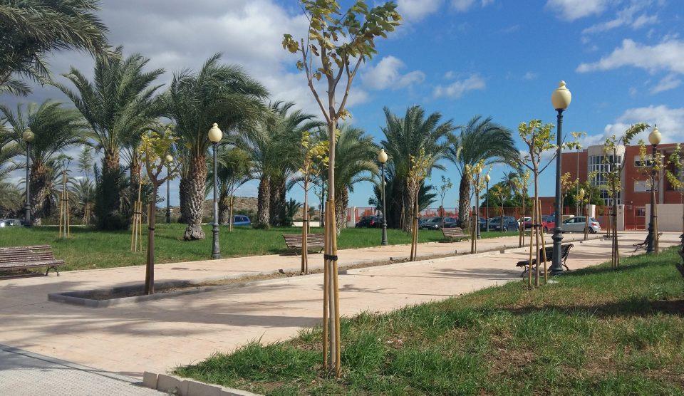 La Diputación de Alicante invierte 45.500 euros en las mejoras de zonas verdes en Cox 6
