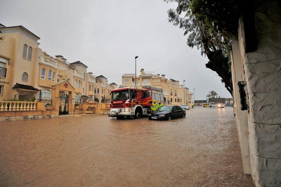 La lluvia provoca incidencias en la Vega Baja 6