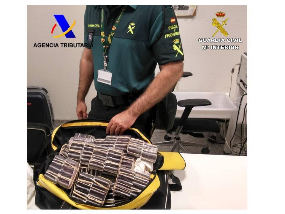 """Detenidas 2 personas en Torrevieja por tráfico de pastillas """"hipnóticas"""" 6"""